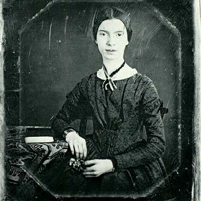 امیلی دیکنسون