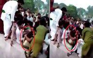 کتک کاری و عریان کردن یک دختر اینفلوئنسر توسط صدها مرد پاکستانی