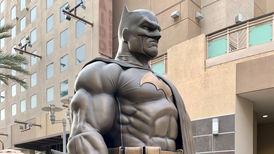 نصب مجسمه بتمن در لسآنجلس