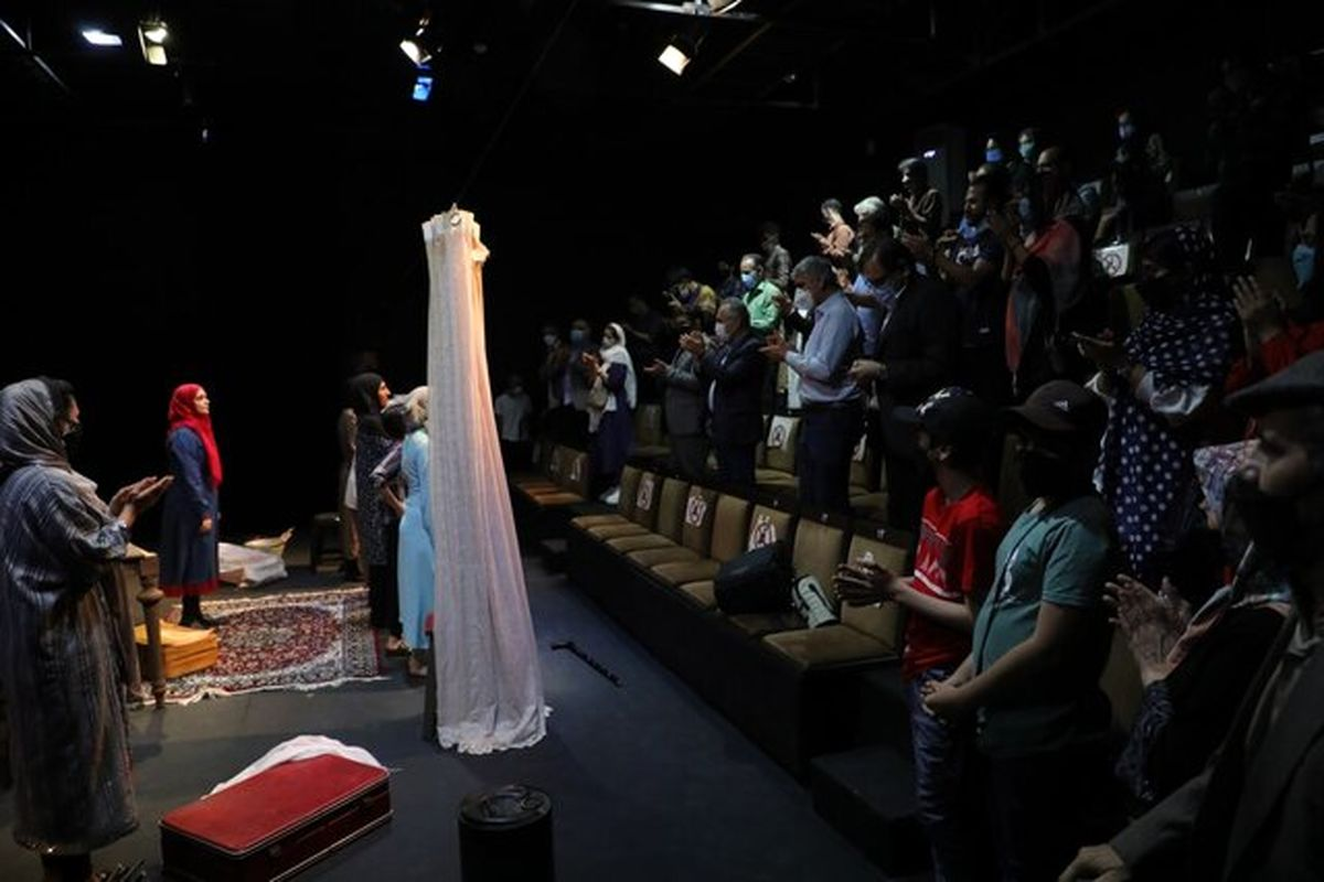 واکنش برادر شهید جهان آرا به یک تئاتر