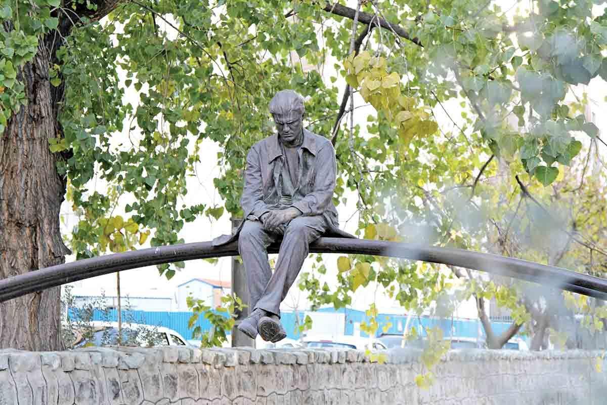 مجسمههای ایرانشهر سرقت نشدهاند/ درباره مرمت آثار پارک هنرمندان اطلاع رسانی شده بود