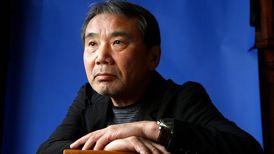 حمله تند هاروکی موراکامی به نخستوزیر ژاپن