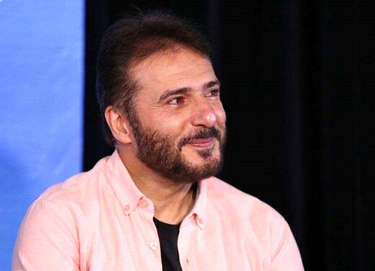چشمان اشکآلود سیدجواد هاشمی در نشست خبری فیلم «شهر گربهها»/ عکس